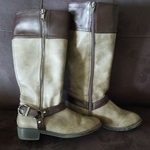 Shoes - Girls Boots size 2